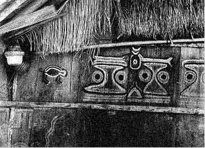 Detail einer Langhaus-Wand, die mit Mustern aus halluzinatorischen yajé-Erlebnissen bemalt ist.